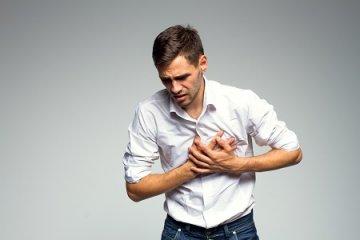 Jön-megy a mellkasi fájdalom? Ez lehet az oka