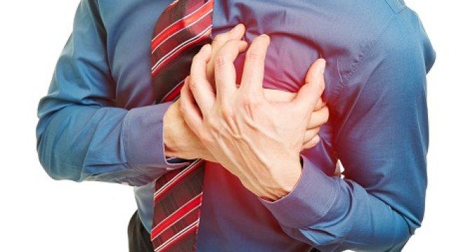 A magas pulzus és a szorongás is okozhat mellkasi fájdalmat