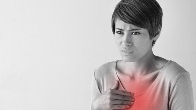 11 szív-érrendszeri tünet, amelyre a nőknek figyelniük kell