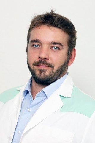 dr. Hernádi Balázs