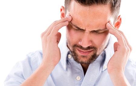 A fejfájás, rossz közérzet is utalhat magas vérnyomásra.